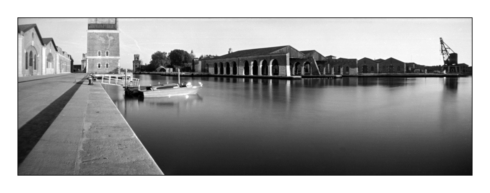 Venedig - Arsenale, Lochkamera 16x7 analog: Venedig, Fotograf: Steffen Lohse