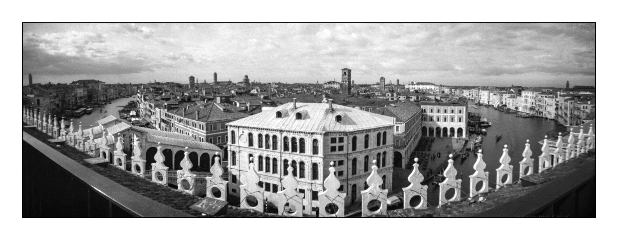 Lochkamera 16x7 analog: Venedig, Fotograf: Steffen Lohse