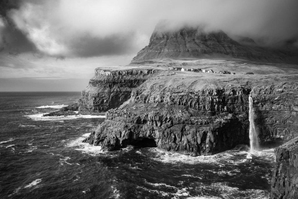 Färöer: Gásadalur, Wasserfall