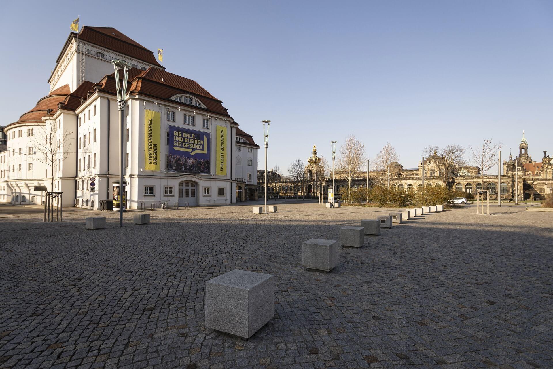 Dresden: Schauspielhaus, Frühjahr 2020, Eindrücke von der Ausgangsbeschränkung während der COVID-19 Pandemie