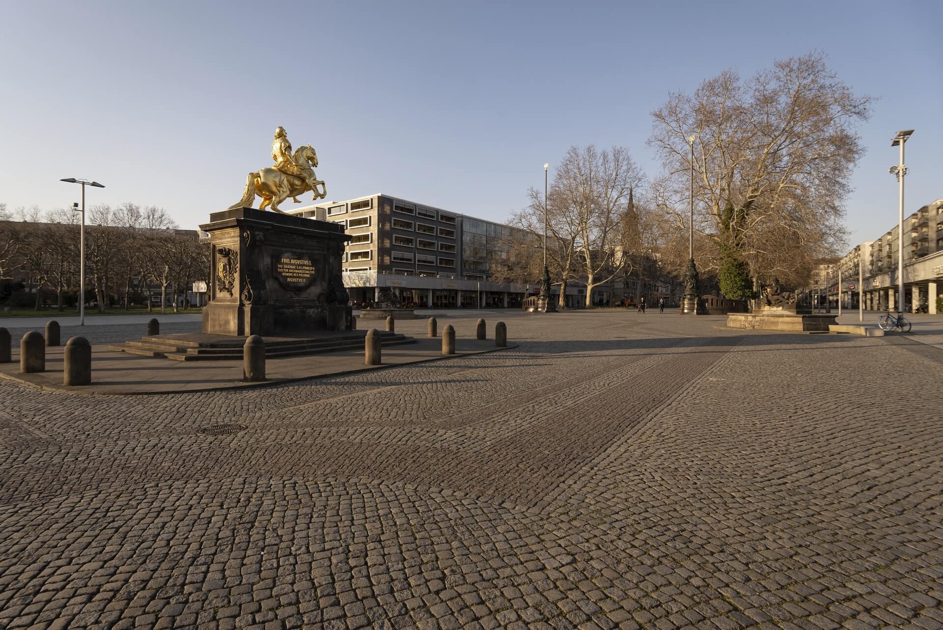 Dresden: Hauptstrasse, Goldener Reiter, Frühjahr 2020, Eindrücke von der Ausgangsbeschränkung während der COVID-19 Pandemie