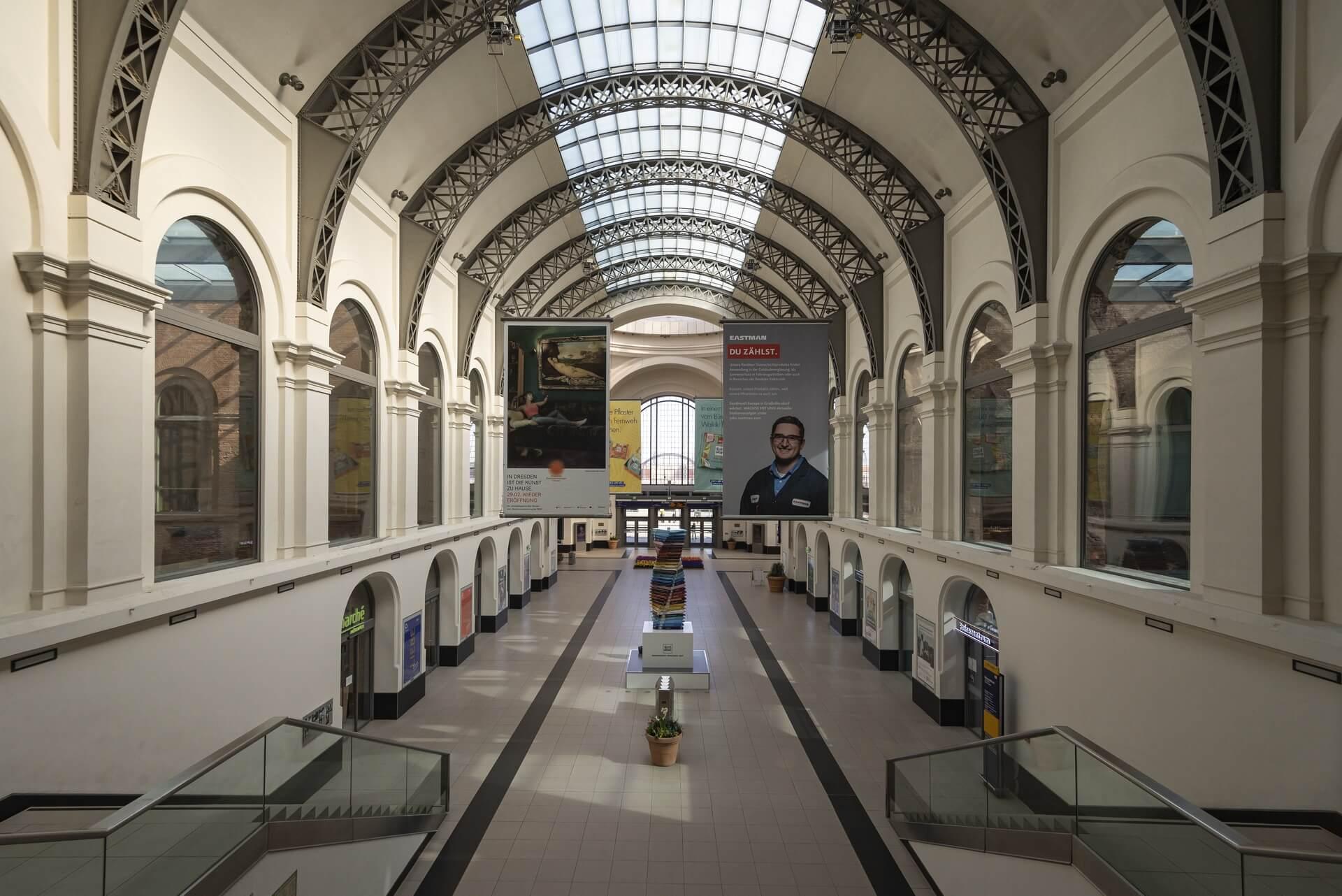 Dresden: Hauptbahnhof, Frühjahr 2020, Eindrücke von der Ausgangsbeschränkung während der COVID-19 Pandemie