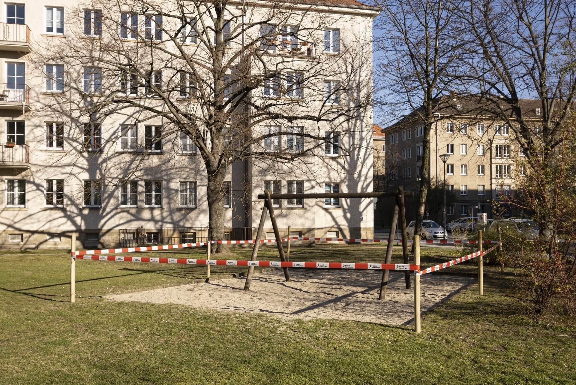 Dresden: abgesperrter Spielplatz